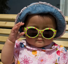 SmallChildwSunglasses
